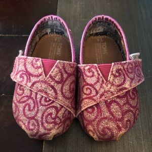 Girls TOMS size 4T